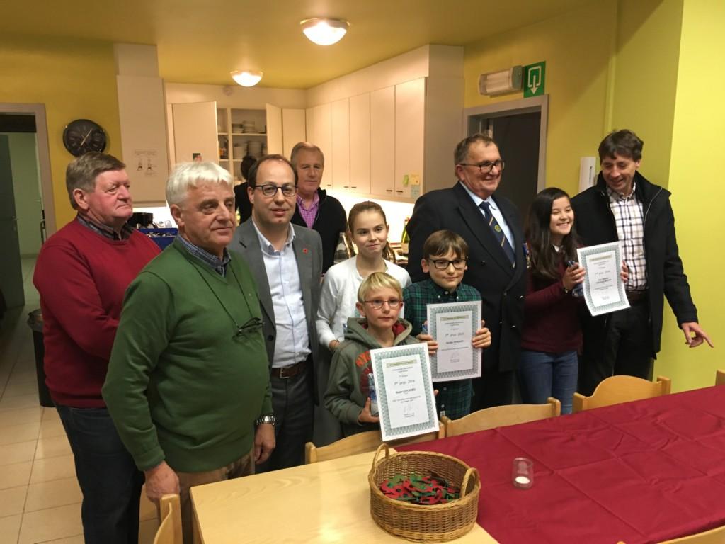 Prijsuitreiking Opstelwedstrijd , thema Oorlog & Vrede nav 11 November herdenking Vinderhoute